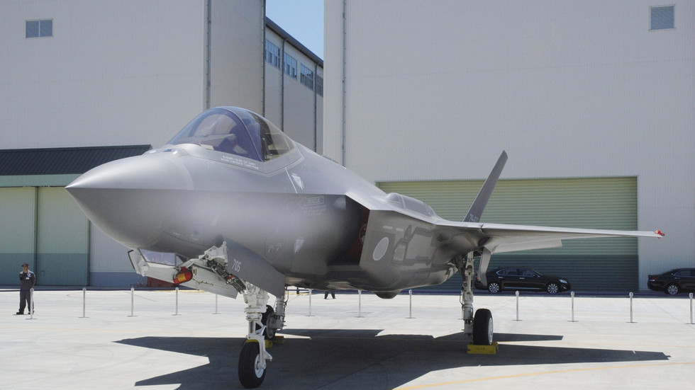 Japan's crashed F-35 had navigation & cooling faults, whole fleet forced into 7 emergency landings