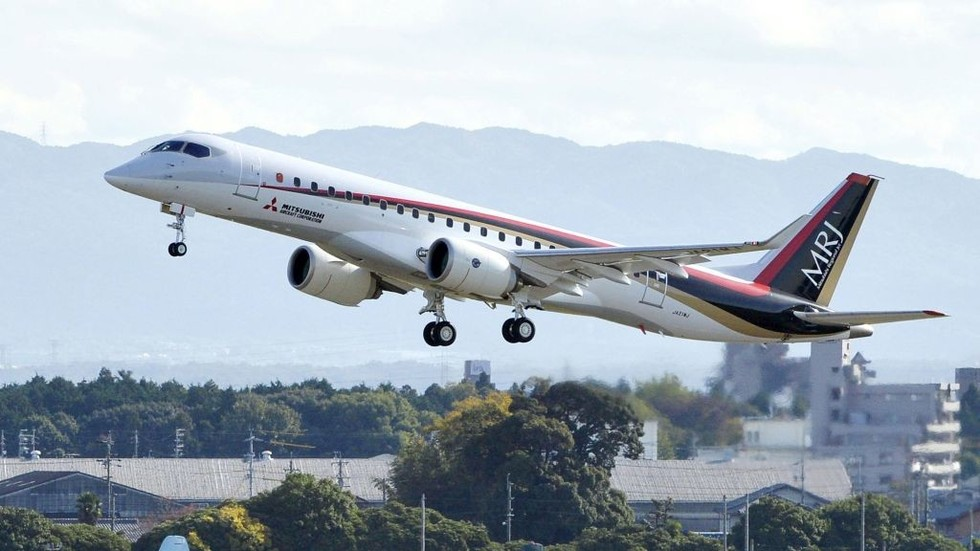 Japan's Mitsubishi to join global airliner challenge to Boeing and Airbus