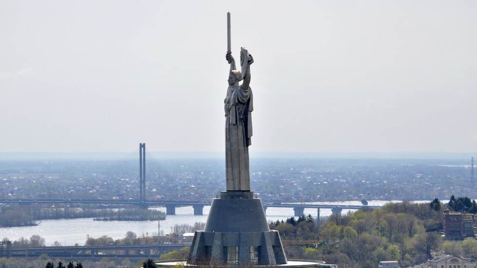 Russian fuel embargo could lead to collapse of Ukraine's economy, oil major warns