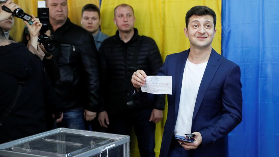 Comedian Zelensky celebrates win over Poroshenko in Ukraine presidential vote