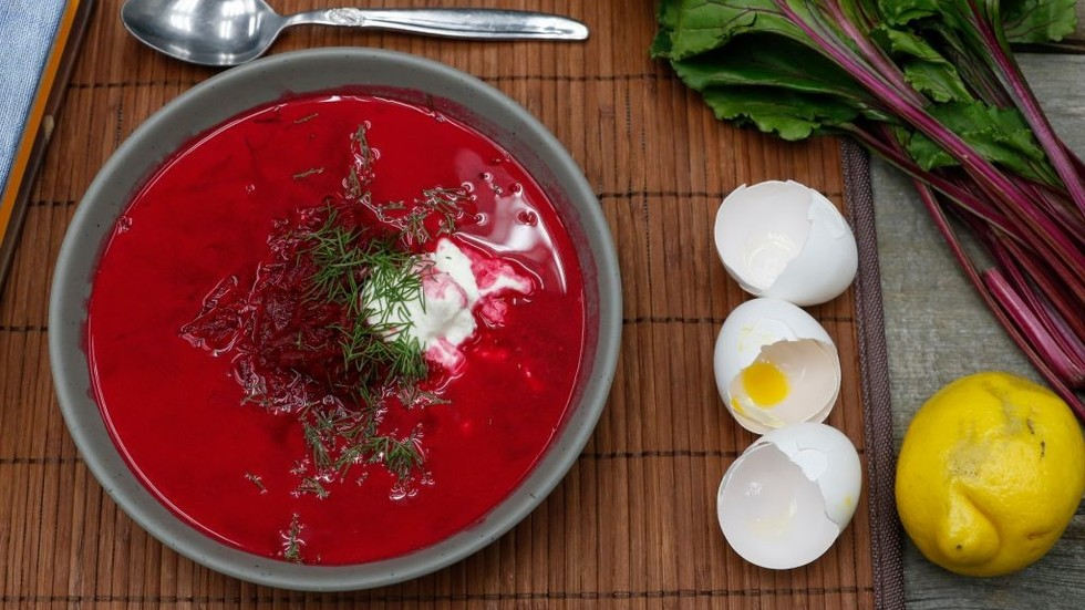 'I lived in Russia for '14 f*****g years!' Guardian's DILL expert totally sure what's in a BORSCH