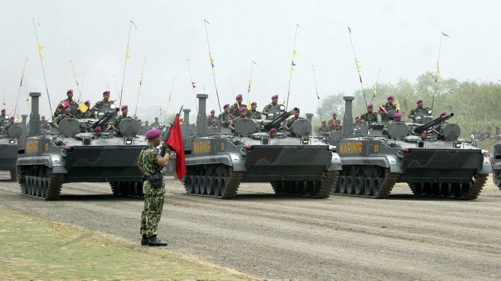 Indonesia inks deal to purchase modern amphibious armored vehicles from Russia