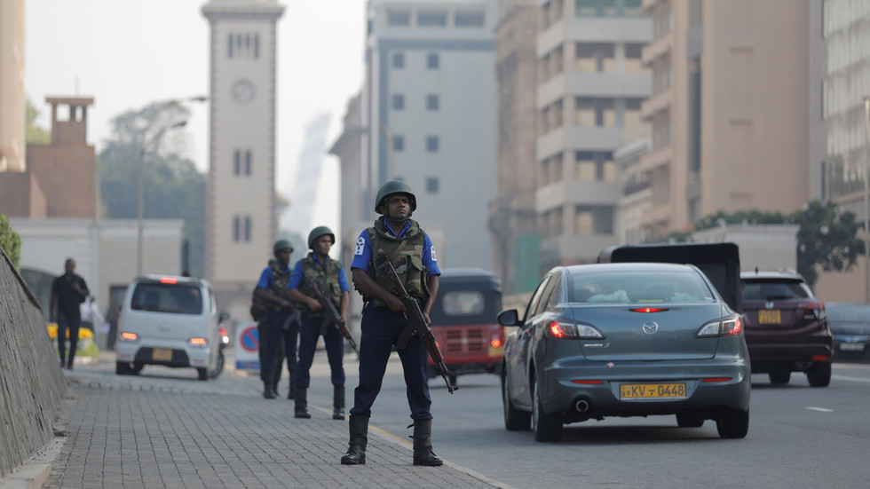 Senior Sri Lankan officials 'withheld intel on terrorist attacks'