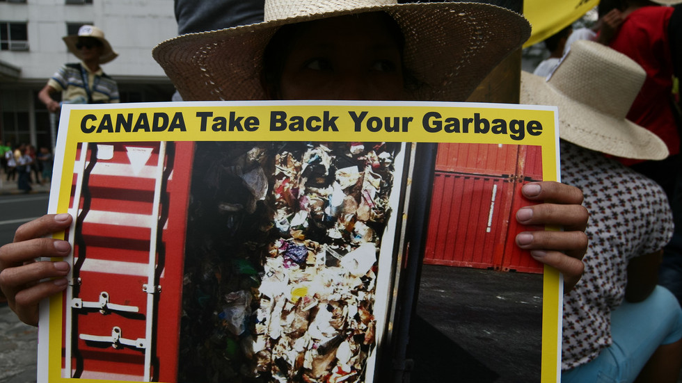 Trudeau-Duterte fight over illegally-dumped Canadian trash highlights global problem
