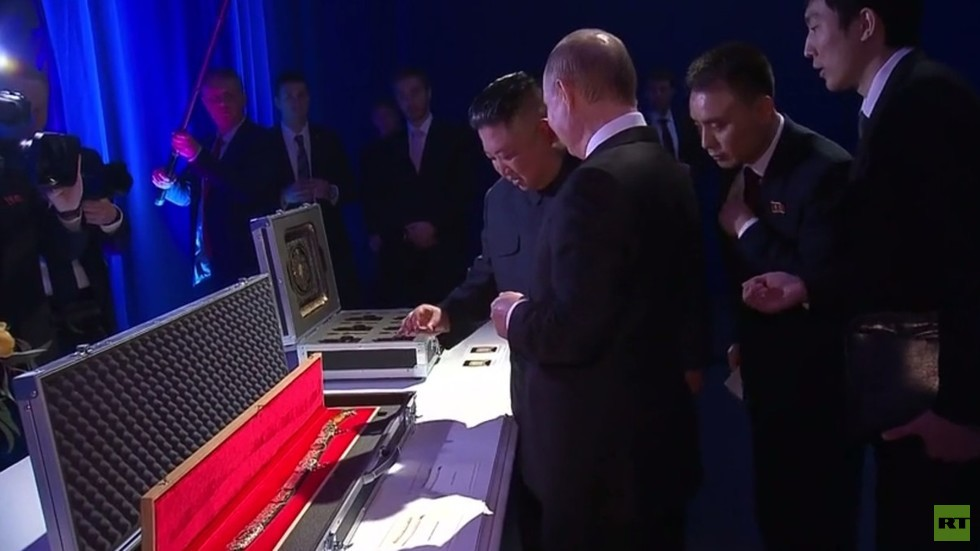 Putin and Kim give each other same gift… a sword (PHOTO, VIDEO)