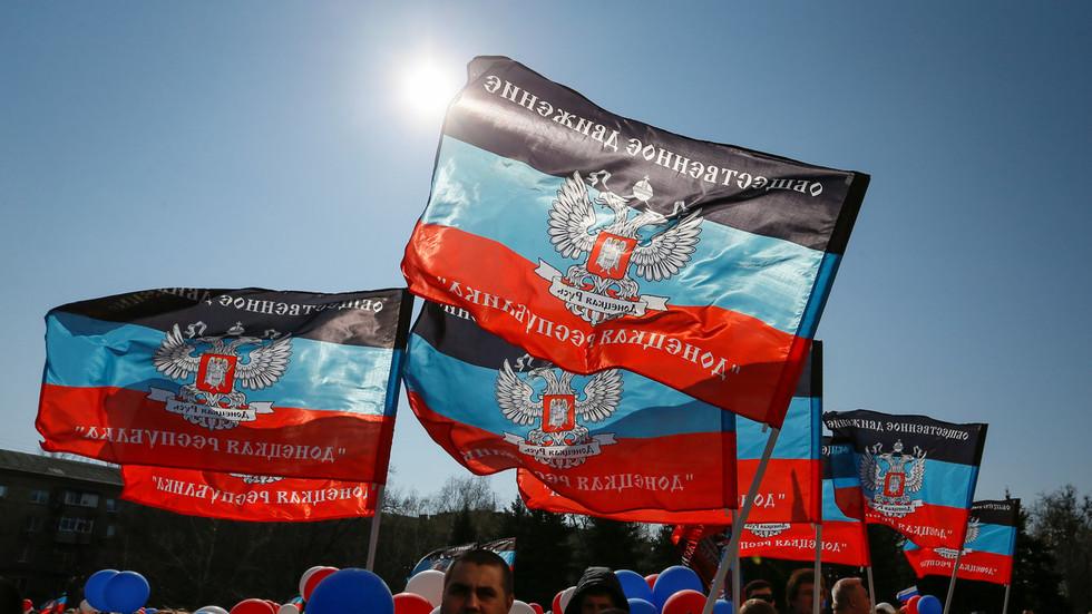 Russian and Ukrainian envoys clash at UN Security Council over passports decree