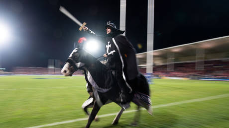 FILE PHOTO: A knight on horseback from the Crusaders' pregame show © AFP / Marty Melville