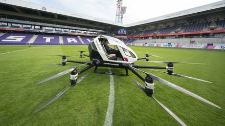 An Air Taxi  EHang 216 at Generali Arena in Vienna, Austria © AFP / Joe Klamar
