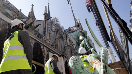 'Tipping point': Experts had warned that iconic Notre-Dame needed 'urgent' revamping