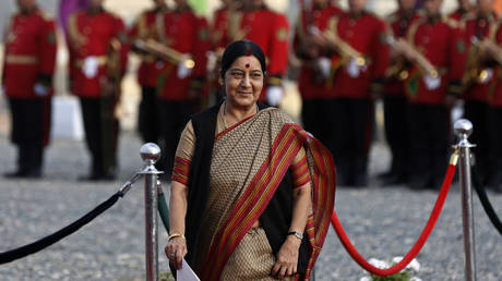 'Don't think about suicide': Indian FM Swaraj tweets to man trapped in Saudi Arabia