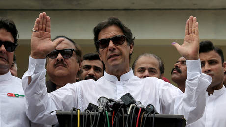 Japan ≠ France: Pakistan PM Khan mocked on Twitter for geography fail (VIDEO)
