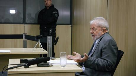 Luiz Inacio Lula da Silva in an interview with newspapers El Pais and Folha de Sao Paulo. © AFP/ El Pais/ Isabela Lanave
