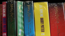 Catholic priests in Poland torch Harry Potter books to denounce 'magic' (PHOTOS)