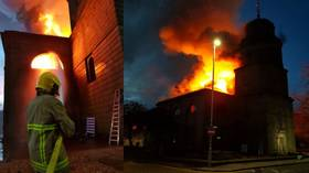 HUGE fire rips through historic 230-year-old church in NW England (PHOTOS, VIDEO)