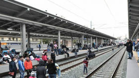 Major migrant protest grinds Athens' main train station to a standstill (VIDEOS, PHOTO)