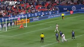 'Embarrassing': MLS player in 'worst ever Panenka attempt' before Zlatan scores rocket (VIDEO)