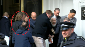 WikiLeaks supporter rumbled undercover cops ahead of Assange arrest (VIDEOS)