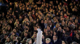 Prayers, music and candles: Thousands hold vigil near Notre Dame Cathedral (PHOTO, VIDEO)