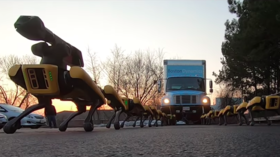 'Future nightmares': Twitter users can't handle VIDEO of truck-pulling robot dogs