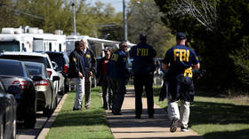 Vigilantes or patriots? FBI arrests head of militia rounding up illegal migrants at US border