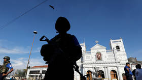 Van detonates near Colombo church as bomb squad reportedly tries to defuse it (VIDEOS)