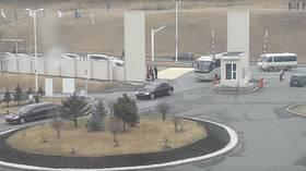 Black limos arrive at presumed venue of Kim-Putin summit (VIDEO)