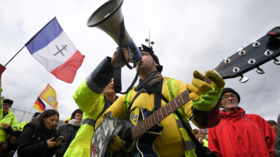 Yellow Vests take to the streets in rejection of Macron's 'rubbish' olive branch (PHOTO, VIDEO)
