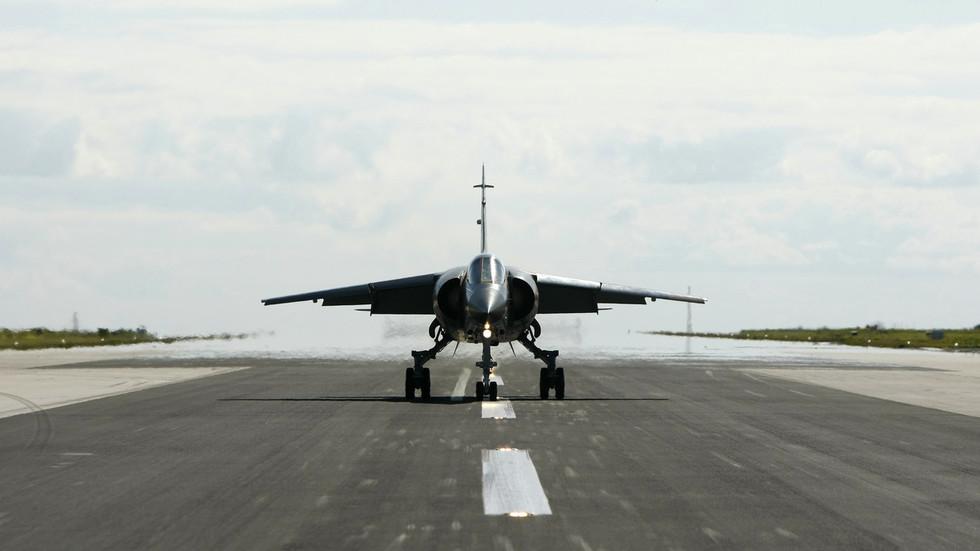 VIDEOS show capture & questioning of 'Portuguese mercenary' pilot shot down over Libya