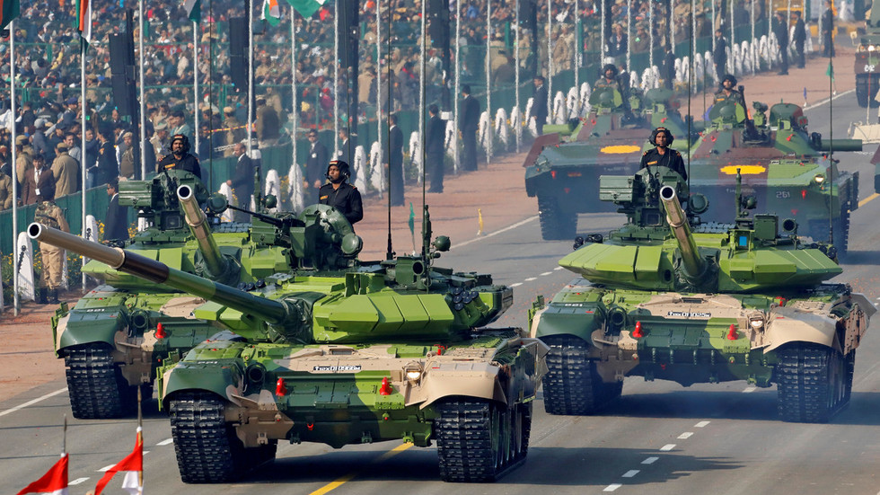 Tomorrow's guard of Indian borders: Behind the armor of Russian-designed T-90