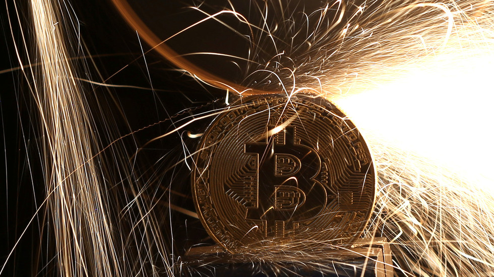 'Bitcoin is fool's gold': Peter Schiff weighs in on calls to replace gold with cryptocurrencies