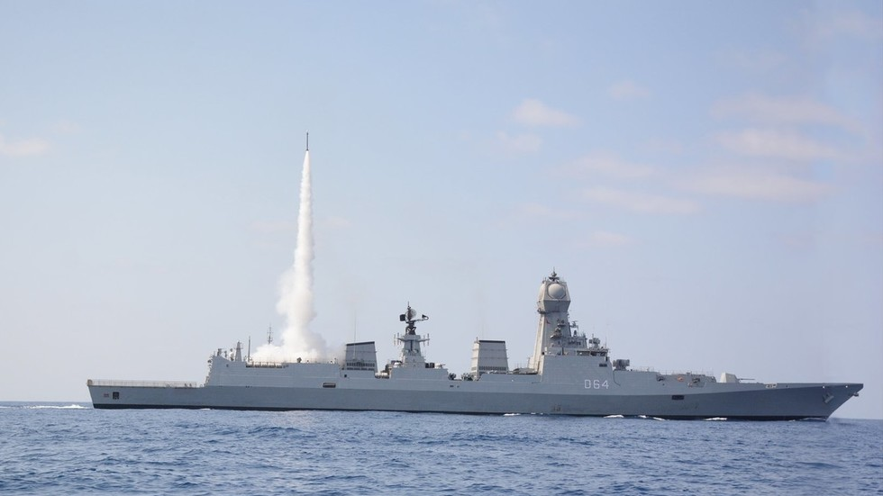Indian Navy test fires medium range air defense missile, boasts 'enhanced combat effectiveness'