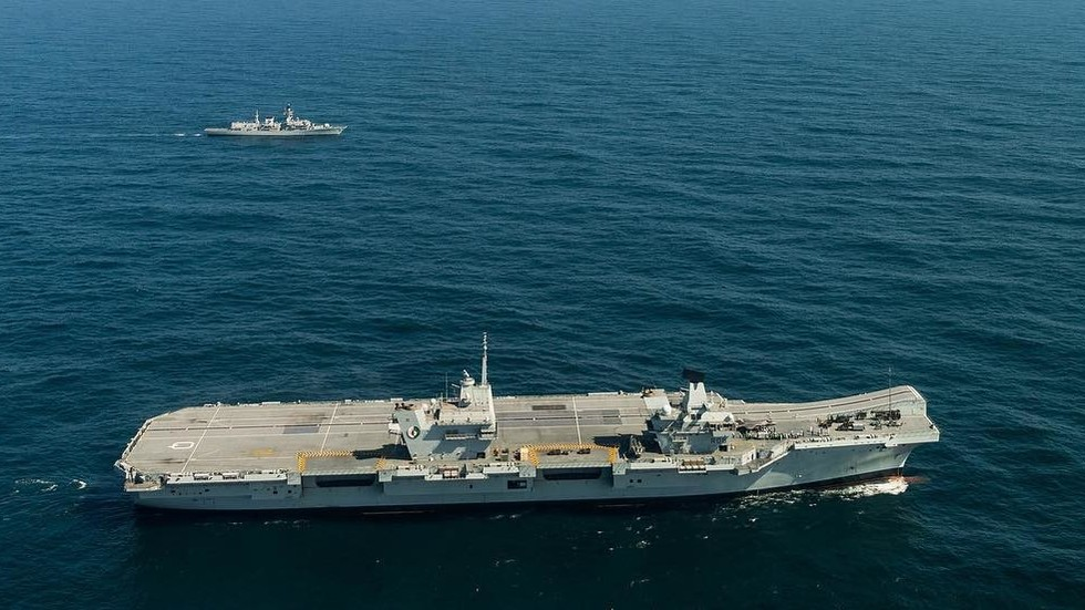 Let me borrow your ride: US gets UK carrier, while her captain gets the boot