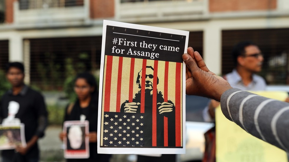 Assange may spend the rest of his life in jail, he's got a 'HANGING judge' – CIA whistleblower