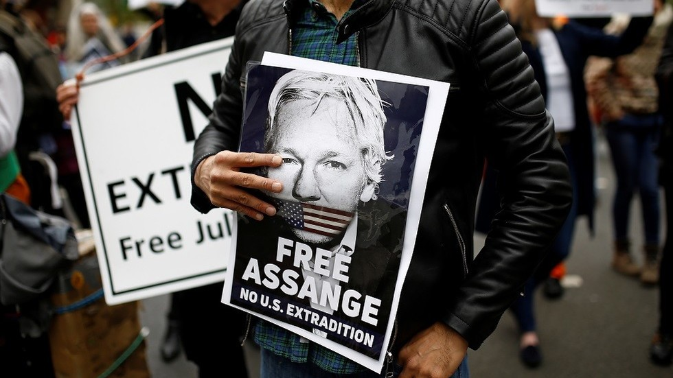 'Everyone else must take my place': Assange in letter from British prison