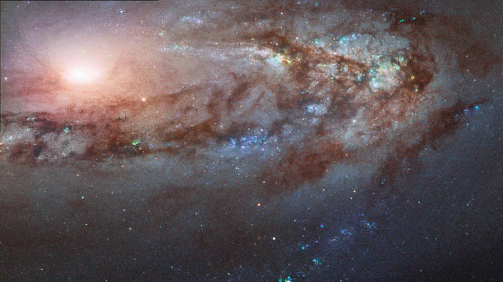 This strange galaxy is defying the universe to travel towards the Milky Way (PHOTO)