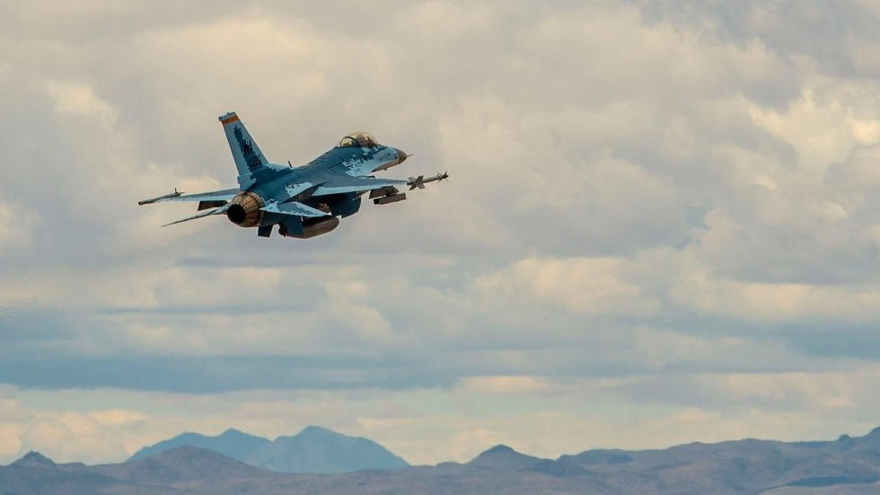 US F-16 painted to resemble Russian Su-57 fighter jet makes maiden flight