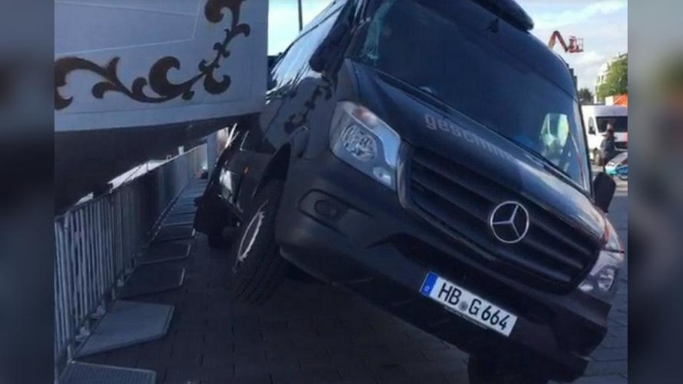 Surf and Turf: Russian sailboat crashes into parked Mercedes minibus