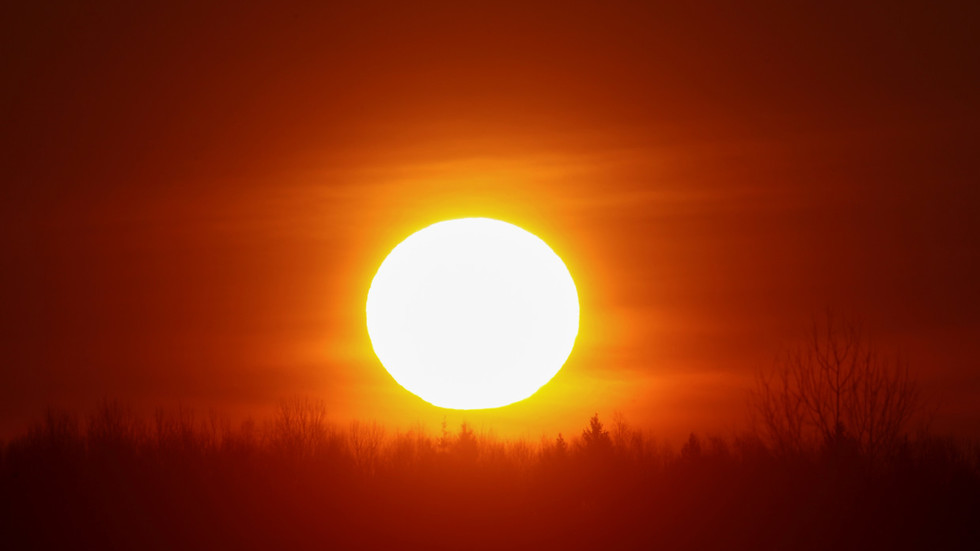 Mexicans left without shadows thanks to peculiar solar phenomenon (PHOTOS, VIDEOS)
