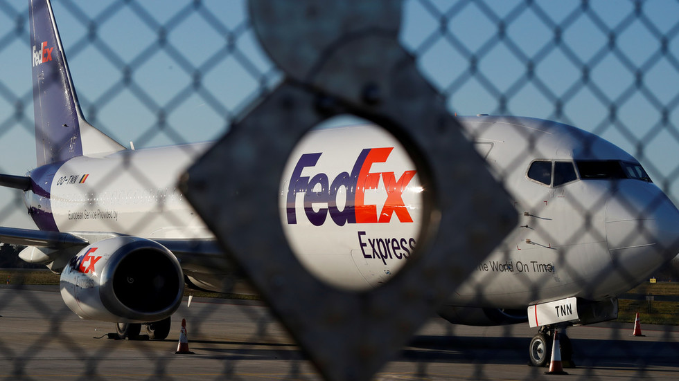 FedEx Apologizes To Huawei For 'mis-routing' Its Packages