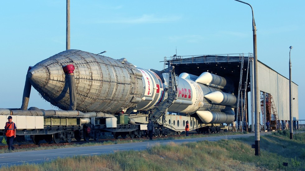 Russian Space Workhorse Proton To Retire In 2025 Giving