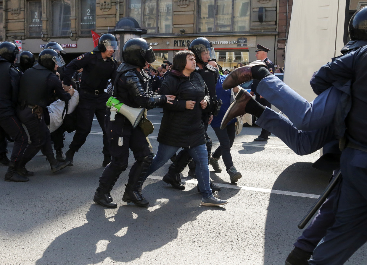 Over 2.4 million people mark May Day in Russia, dozens ...