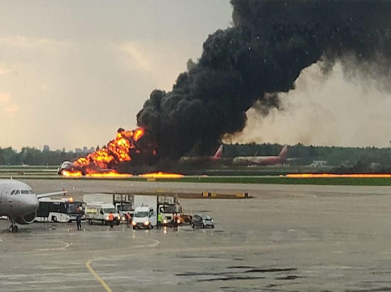 Superjet-100 crash-lands in Moscow