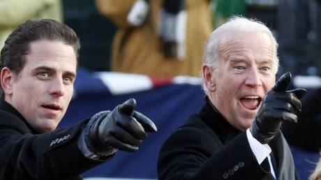 Hunter and Joe Biden at President Barack Obama's inauguration, January 20, 2009