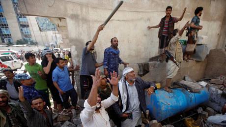 Over 50 people including Russians reportedly hurt as Saudis resume bombing of Sanaa, Yemen