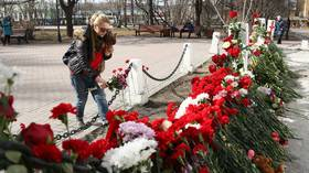 People bring flowers & toys to commemorate Superjet-100 crash-landing victims (VIDEO)