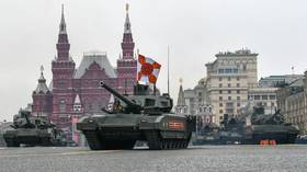 Steel muscles of Moscow's V-Day parade: Clouds prohibit air show, but armor still stunning (PHOTOS)
