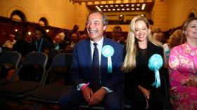 Brexit Party's formula for success? Uniting right & left against UK establishment