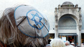 Is German anti-Semitism a problem of the past, or a consequence of mass immigration?