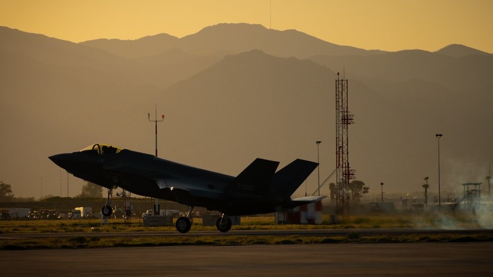 Turkish pilots grounded from F-35 training as Ankara refuses to