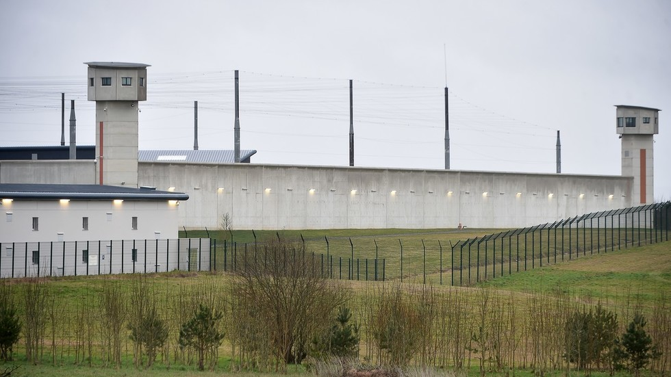 Hostage-taking situation at prison in Condé-sur-Sarthe, France - reports